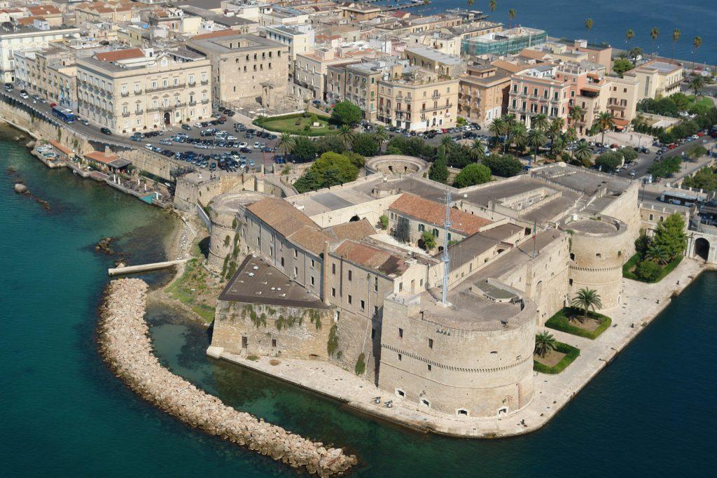 Taranto e Alda Merini